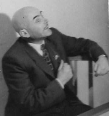 """Orator"", a comic photograph of Mikhail Verzhbinsky in the pose of orator"