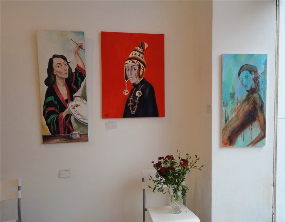 "Exhibition ""NinaWR in Oil"" at the Gallery Kunstraum, photo 4"