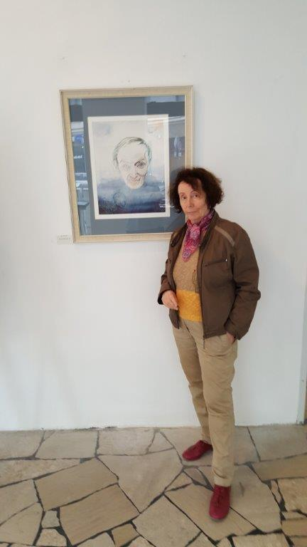 "NinaWR in front of the painting ""Levitation 1"""